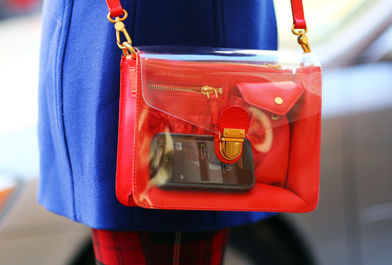 marc-by-marc-jacobs-clear-bag-streetpeeper