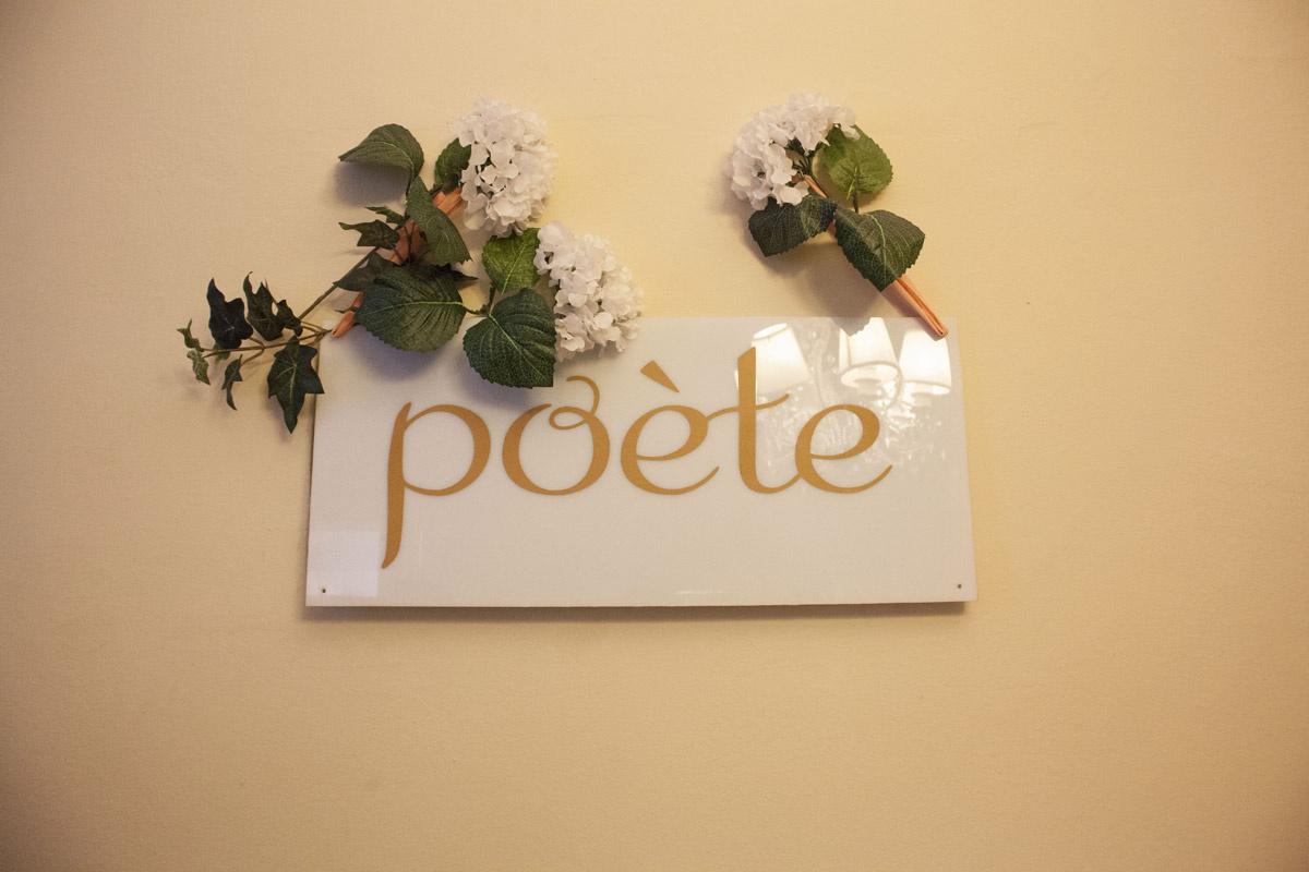 en_el_estudio_de_poete_782328395_1200x (1)