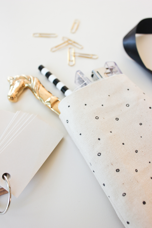 hand_drawn_fabric_favor_bags_6